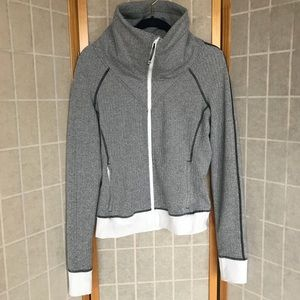 Lululemon be present jacket